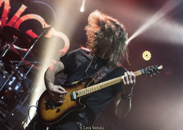 Picture of Angra in concert with photography by Leca Suzuki
