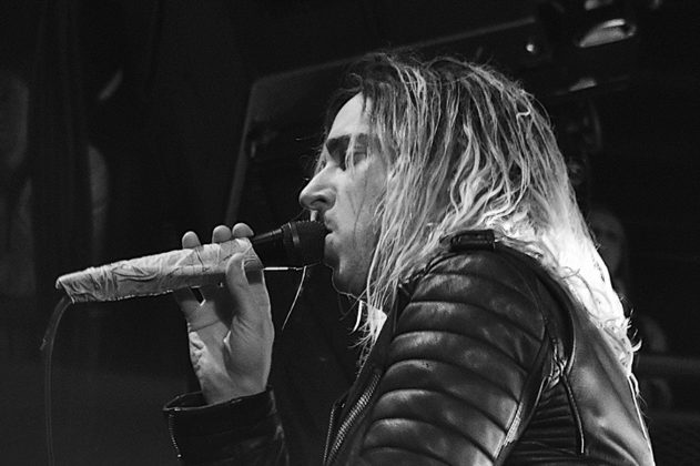 Picture of Underoath in concert with photography by Vivian Danielle