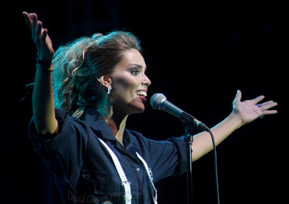 Picture of Franka Batelić in concert with Pop music photography by David Gasson
