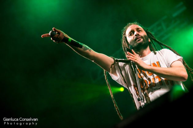 Picture of Alborosie in concert at the Sherwood Festival in Italy by the Venice Music Photographer Gianluca Conselvan