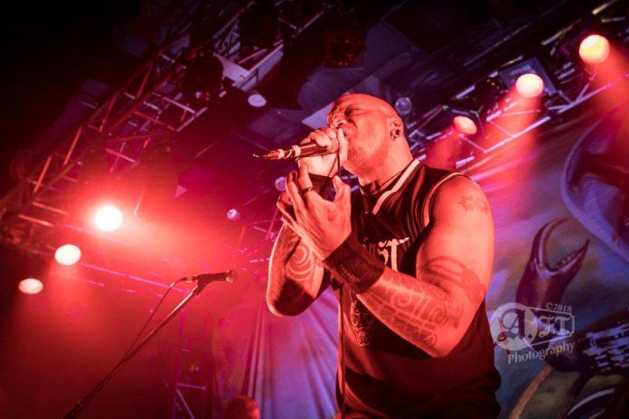 Picture of Sepultura in concert in Tokyo by Japan Music photographer Aki Fujita Taguchi