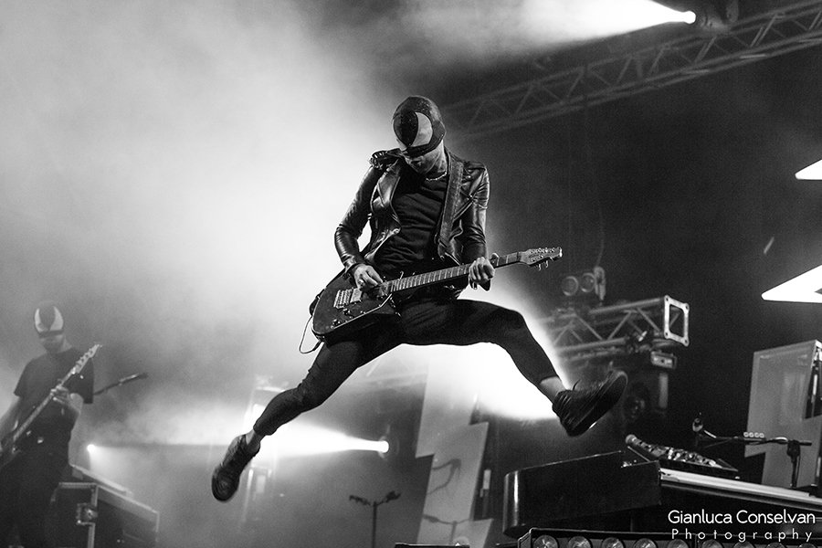 Picture of the bloody beetroots in concert by Venice music photographer Gianluca Conselvan