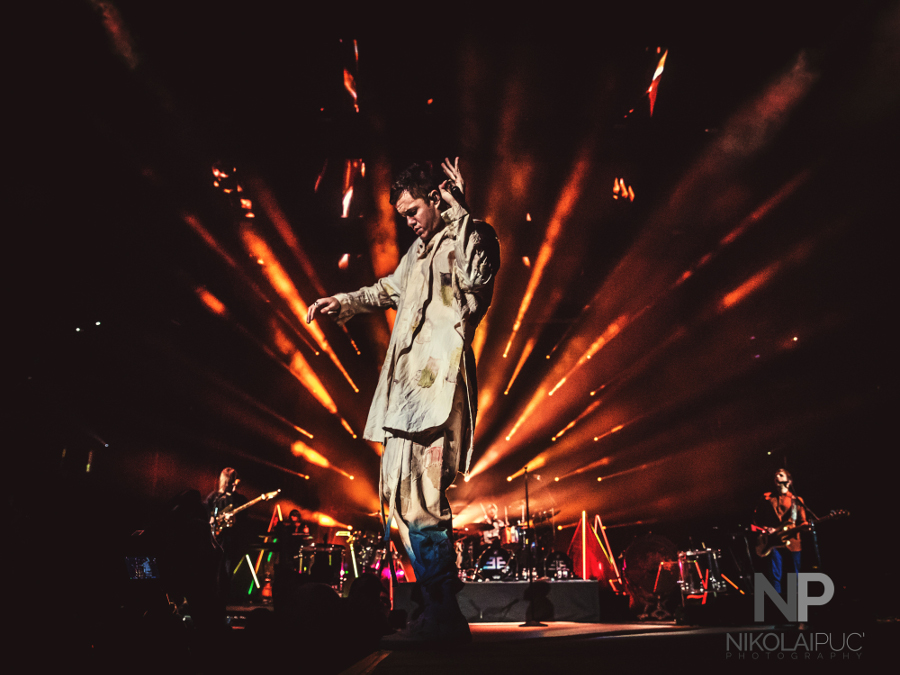 Picture of Imagine Dragons in concert @ thePepsi center, Denver byDenver music photographer Nikolai Puc