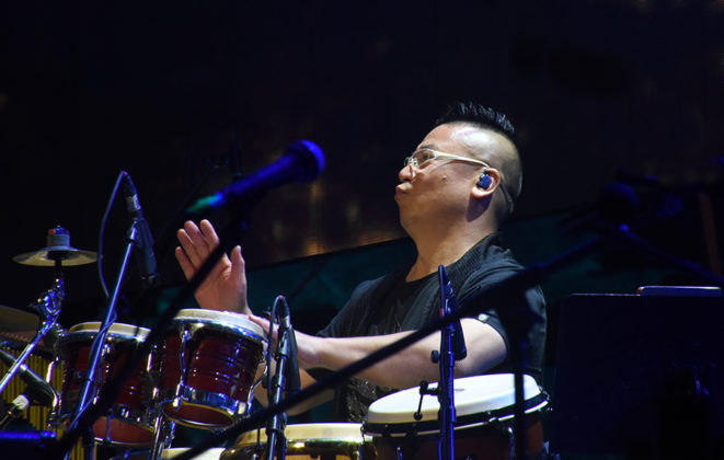 Picture of ZHIHUI LI in concert by David Gasson