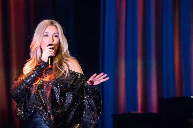 Picture of Jessica Andersson in concert by Marcus Vilson