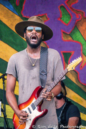 Picture of Gary Clark Jr in concert taken by the American music photographer Ron Valle