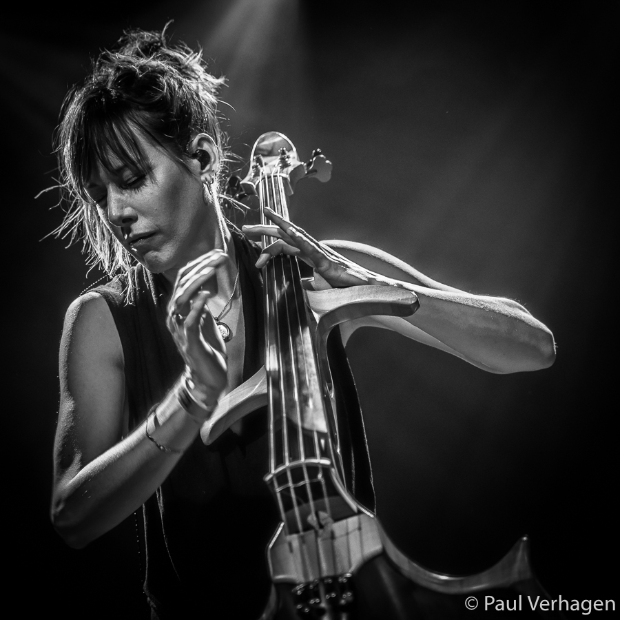 picture of Jo Quail in concert taken by the Netherlands concert photographer Paul Verhagen
