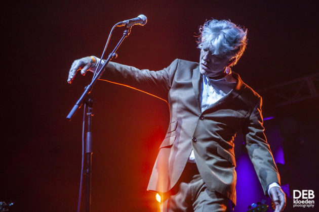 Picture of Tim Finn in concert taken by The Delta Riggs