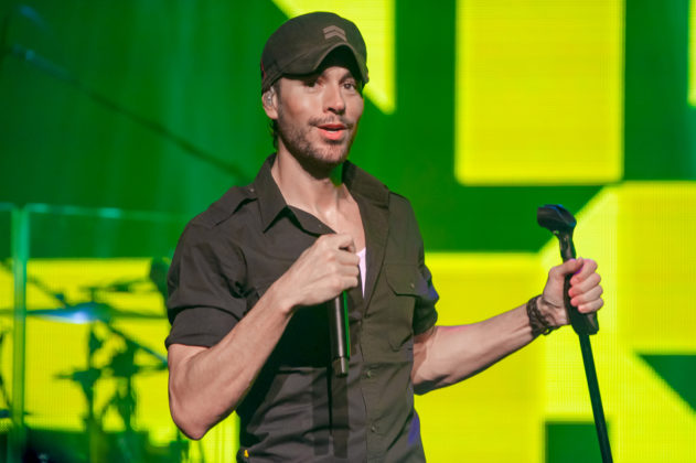 Picture of Enrique Iglesias in concert taken by the Toronto concert photographer Orest Dorosh