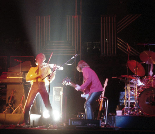 Picture of U.K in concert by Bill O'Leary