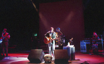 Picture of The Samples in concert by Bill O'Leary