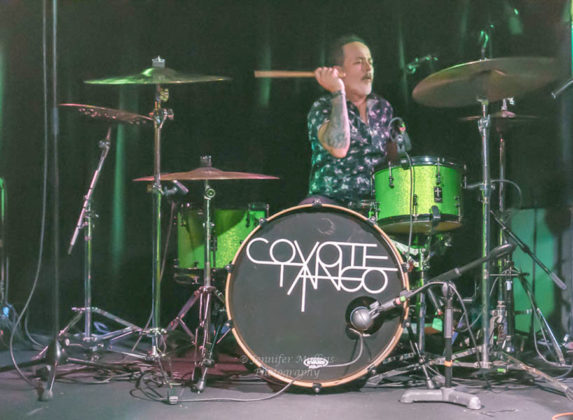 Picture of Coyote Tango concert with photography by Jennifer Mullins