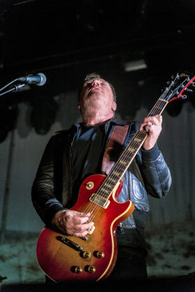 Picture of Travis in concert with Dublin rock photography by Danni Fro