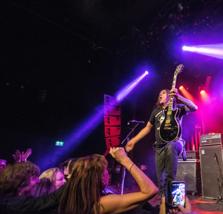 Picture of Maxxwell in concert by rock photographer Johan Sonneveld