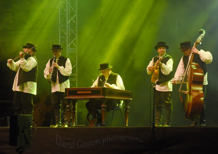 Picture of Lado in concert with folk music photography by David Gasson