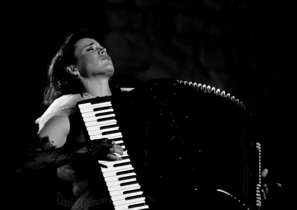 Picture of Ksenija Sidorova in concert with classical music photography by David Gasson