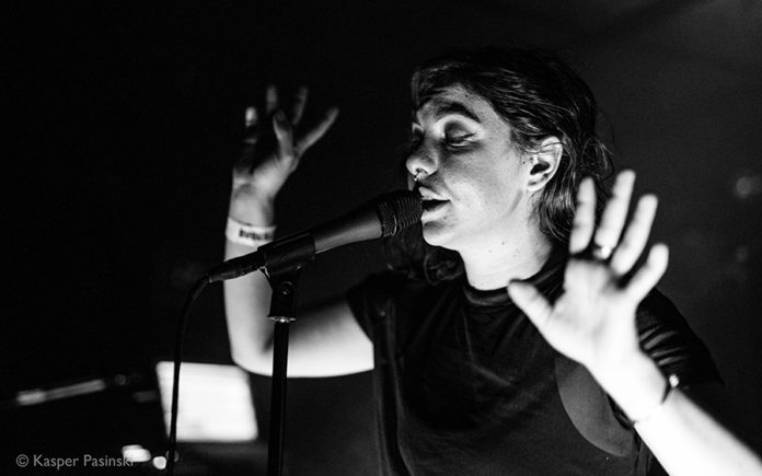 Picture of Kanga in concert with Pop music photography by Kasper Pasinski