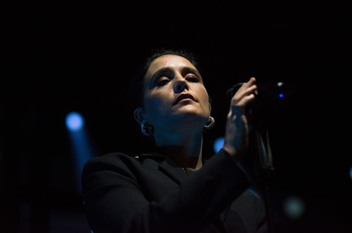 Picture of Jessie Ware in concert by Poland Music and Pit photographer Norbert Burkowski