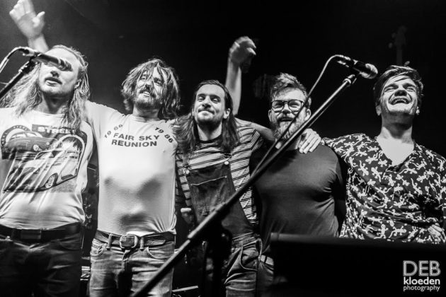 Pictures of Wanderers in concert at The Grace Emily Hotel in Adelaide by Australia music photographer Deb Kloeden