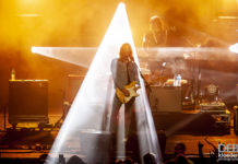 Picture of Sticky Fingers in concert @ Luna Park, Sydney 02.06.18 by Australia music photographer Deb Kloeden