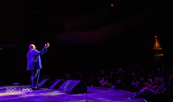 Picture of Ruben Studdard at the Chandler Center of the Arts, Arizona,. By American music photographer Dee Carter