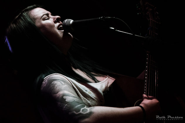 Picture of Kyla Mainous in concert by Ohio music photographer Ruth Preston