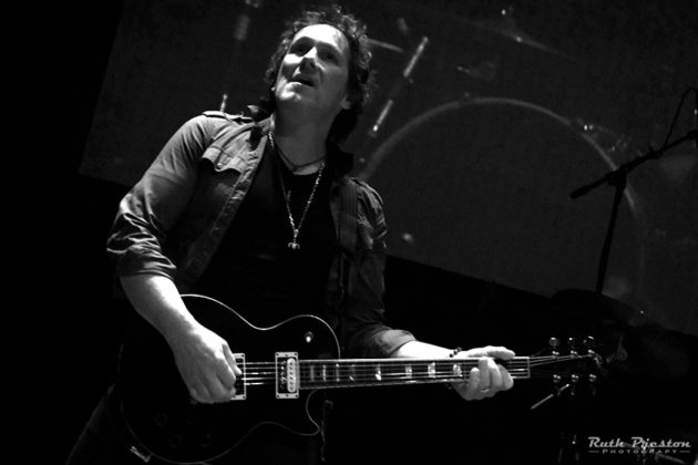 Picture of Vivian Campbell & Last In Line by Ohio music photographer Ruth Preston