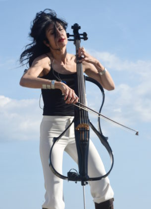 Picture of Ana Rucner in concert by David Gasson