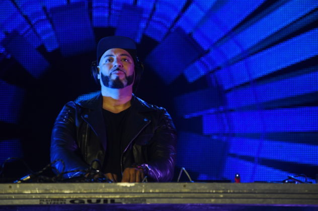 Picture of DJ Roger Sanchez in concert by David Gasson
