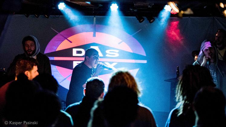 Picture of Natkat in concert by Kasper Pasinski