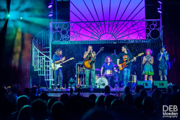 Picture of The Teskey Brothers in concert by Deb Kloeden