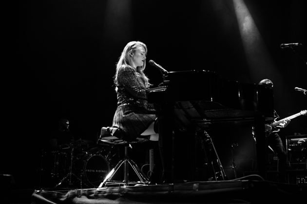 Picture of Freya Riding in concert taken by the music photographer Danni Fro