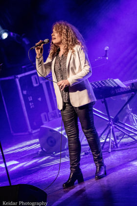 Picture of Nurit Galron in concert by music photographer Omer Keidar