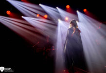 Picture of Black Mirrors in concert by music photographer Trees Romellaere