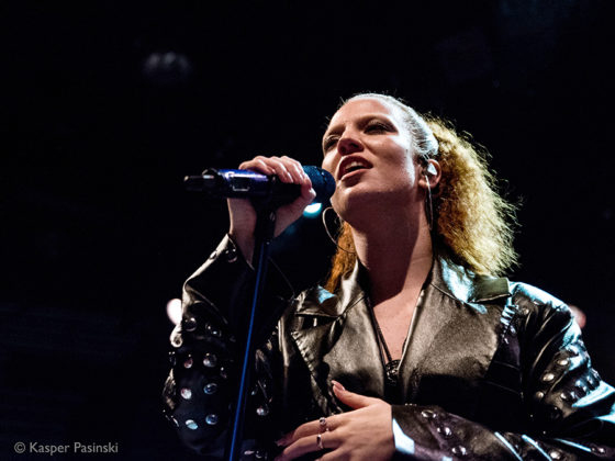 Picture of Jess Glynne in concert by Kasper Pasinski