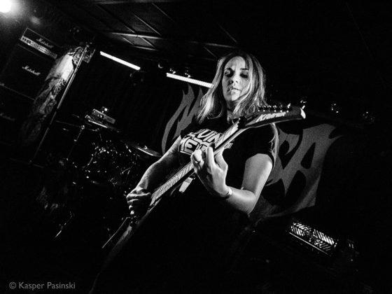 Picture of the Nervosa thrash metal gig in Denmark taken by music photographer Kasper Pasinski