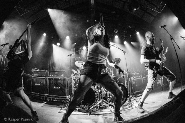 Picture of When Reasons Collapse in concert with photography by Kasper Pasinski