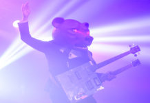 Picture of the rock band Teddybears in concert by the music photographer Marcus Vilson