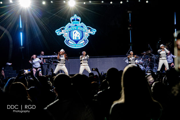 Picture of the The Millennium Tour concert taken by music photographer Dee Carter