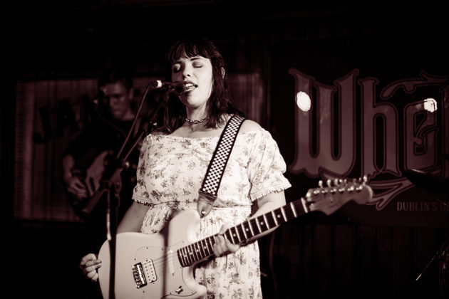 Picture of the singer Eve Belle at a gig in Dublin by music photographer Danni Fro