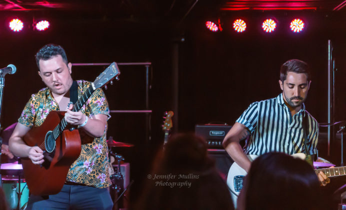 Picture of the indie singer Alex Mullins in concert taken by music photographer Jennifer Mullins