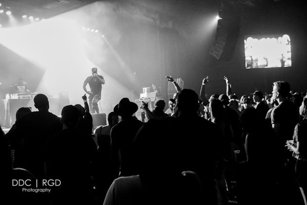Picture of the American rapper Talib Kweli in concert taken by Dee Carter