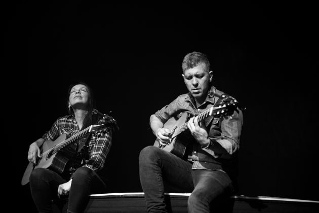 Picture of Rodrigo y Gabriela the rock duo from mexico in concert taken by Danni Fro