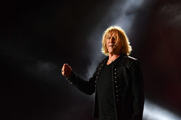 Picture of Def Leppard in concert by Lennart Håård.