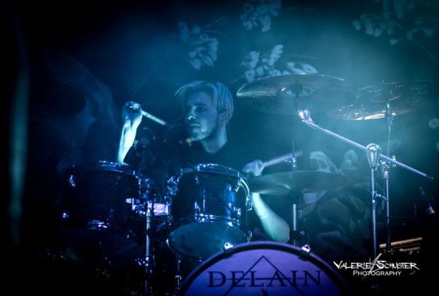 Picture of the metal band Delain in concert taken by Valerie Schuster