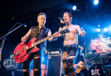 Picture of the rock band Buckcherry in concert by Aki Fujita Taguchi