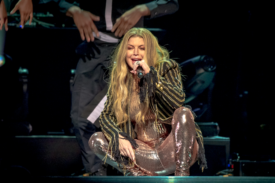 Picture of the singer Fergie in concert taken by the Toronto concert photographer Orest Dorosh