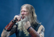 Picture of the melodic death metal band Amon Amarth in concert taken by Lennart Håård