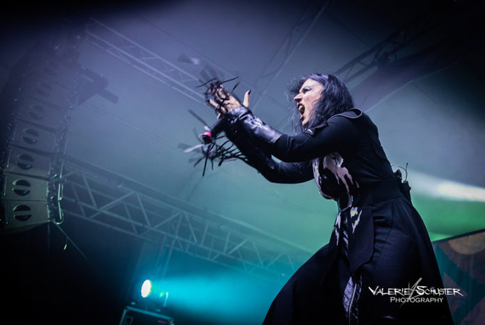 Picture of the gothic heavy metal group Lacuna Coil in concert taken by Valerie Schuster