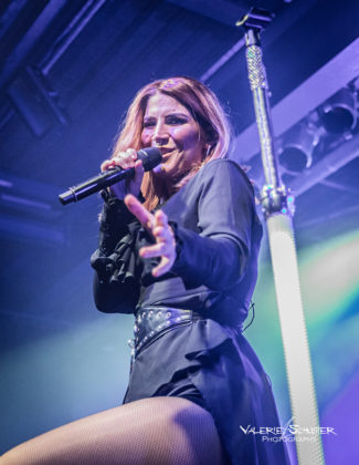 Picture of the symphonic metal band Delain in concert taken by Valerie Schuster
